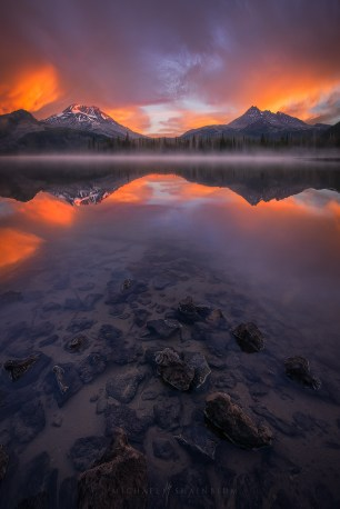 Mountain Reflection Misty Lake Sunrise Oregon