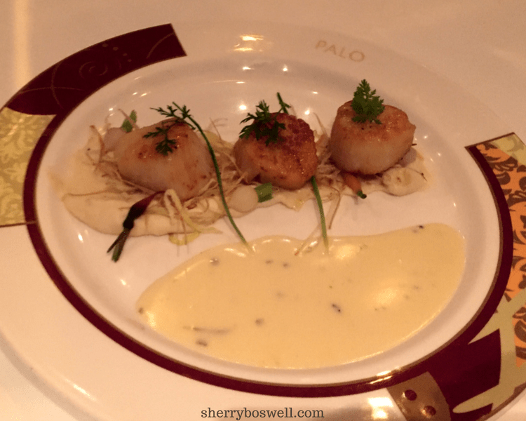 Palo dinner scallops dish