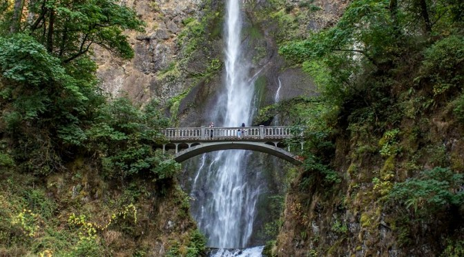 Multnomah-Falls-in-October