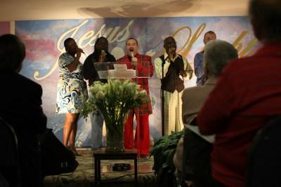Randy McCain Leading Worship at Open Door Community Church in Sherwood, Arkansas