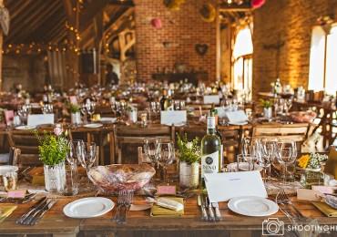 rustic-barn-wedding-tables-6