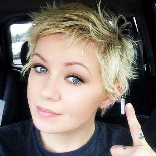 Short Haircuts for Cute Round Faces