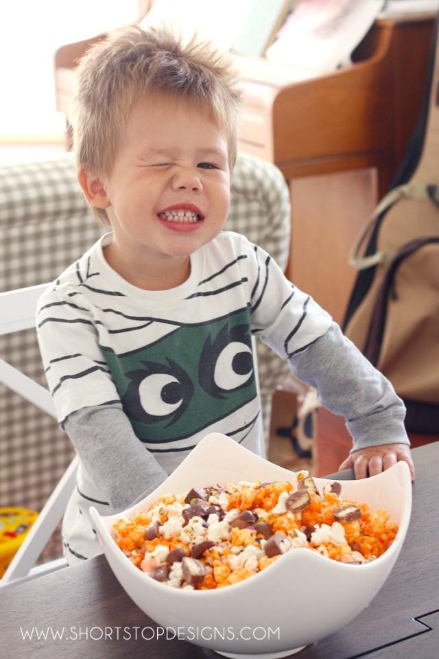 trick-or-treat-popcorn-munch