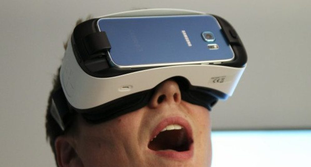 Gear-VR-S6-4-of-6-710x473