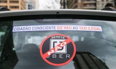 protesto de taxistas em Sao Paulo durante votação da lei do Uber