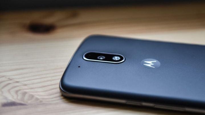 smt-MotoG4Plus-Design