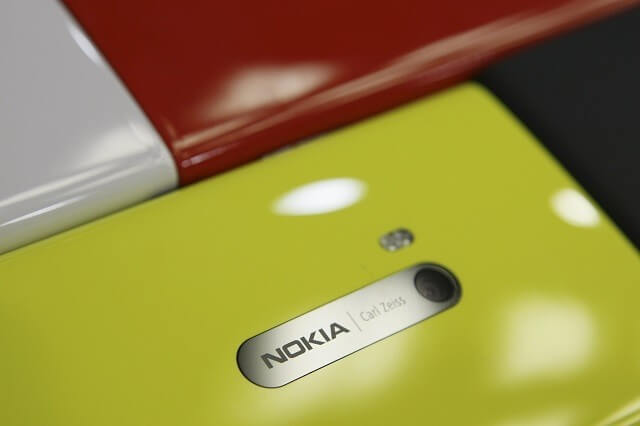 1475380553_nokia-lumia-730-selfie-centric-mid-range-smartphone-specifications-leak-tipped-support-4g-lte