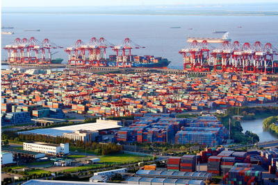 View of container terminals in the Shanghai Waigaoqiao Bonded Logistics Zone, part of the China (Shanghai) Pilot Free Trade Zone, in Pudong, Shanghai, China, 26 September 2013. (Photo: AAP)