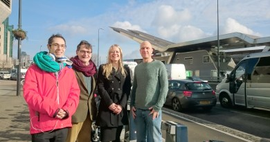 Sian Berry and London Greens at Vauxhall Bus Station