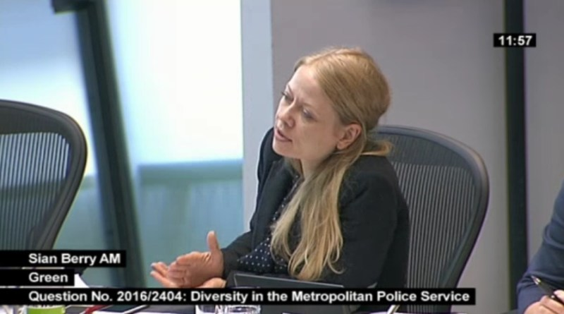 Sian Berry questions the Mayor on police diversity