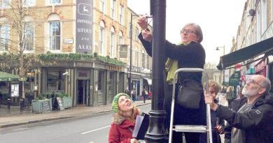 Caroline Russell measuring air pollution