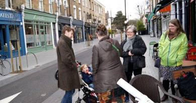 Caroline Russell visits Waltham Forest mini holland