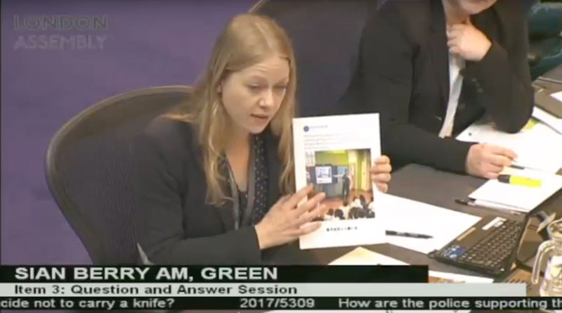 Sian Berry questioning the Met about knife crime communications