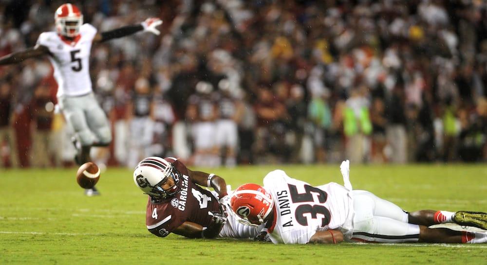 Defensive back Aaron Davis (Photo by Sean Taylor)