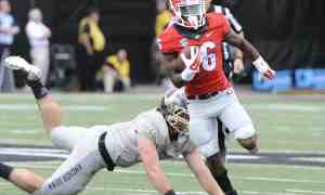 Georgia receiver Isaiah McKenzie (16) during the Bulldogs' game with the Vanderbilt Commodores at Vanderbilt  Stadium in Nashville, Tenn., on Saturday, Sept. 12, 2015. (Photo by John Kelley)