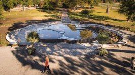 Damm utanför Biotopia i Uppsala, av Silas Metallkonst