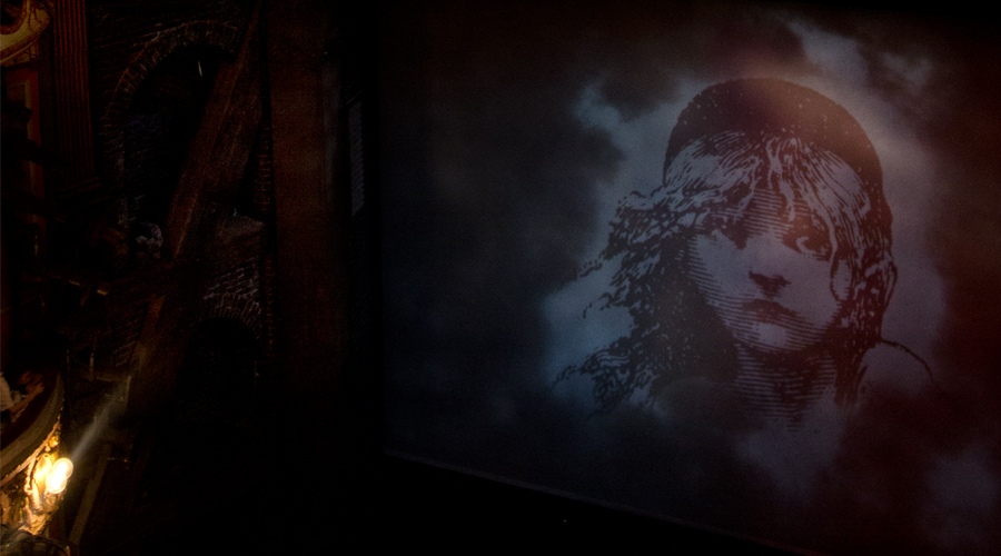 2014-les-miserables-musical-london-uk-02
