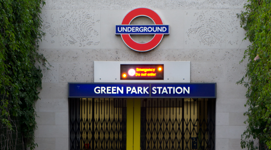 2014-green-park-station-london-uk