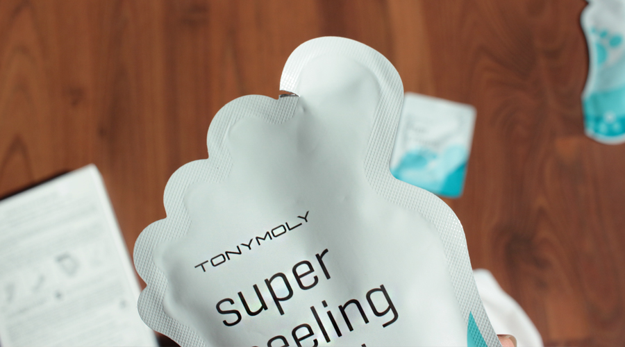 silentlyfree-tonymoly-super-peeling-liquid-shiny-foot-peel-03