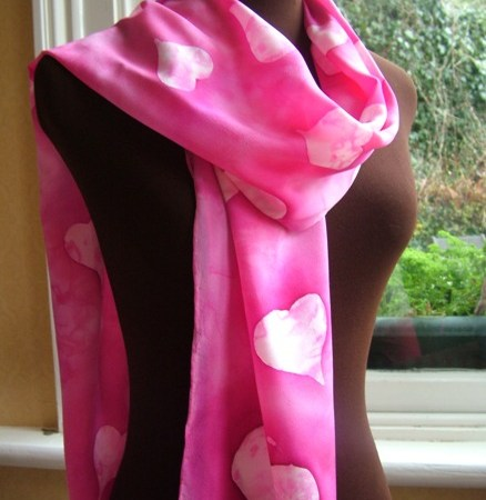 The Loving Hug - the Pink Scarf with Heart
