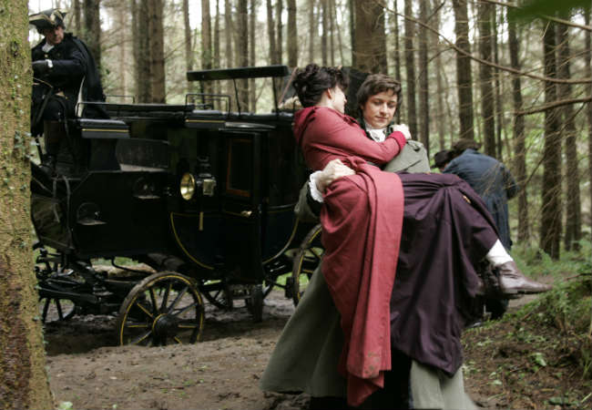 Tom carries Jane in Becoming Jane