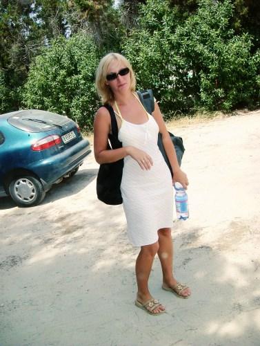 Yanna at the beach