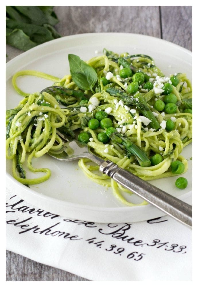 zucchinin noodles with avocado pesto