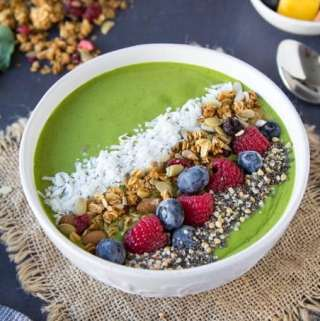 green-smoothie-bowl featured new