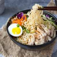 Healthy Chicken Ramen Bowl {clean eating}