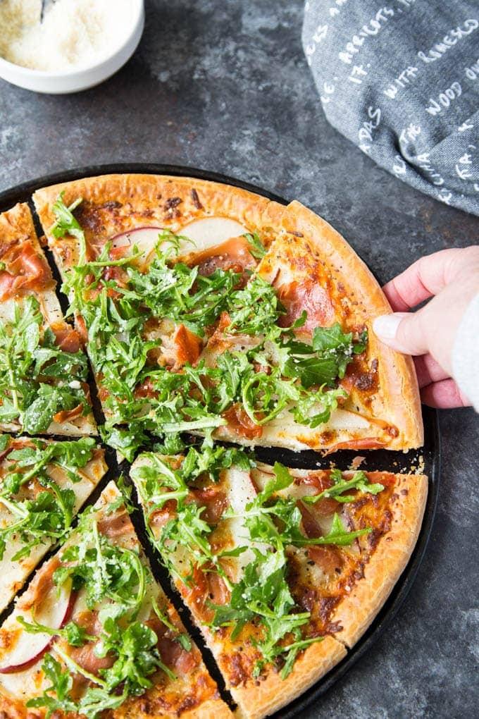 pear and prosciutto pizza 4