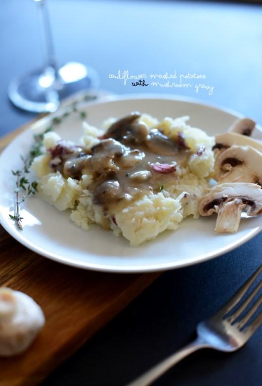 Cauliflower-Mashed-Potatoes-with-Mushroom-Gravy