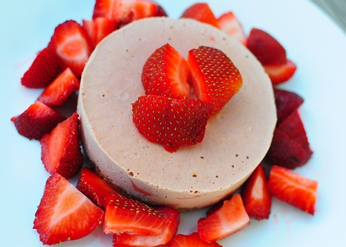 Strawberry Orange Raw Cheesecake