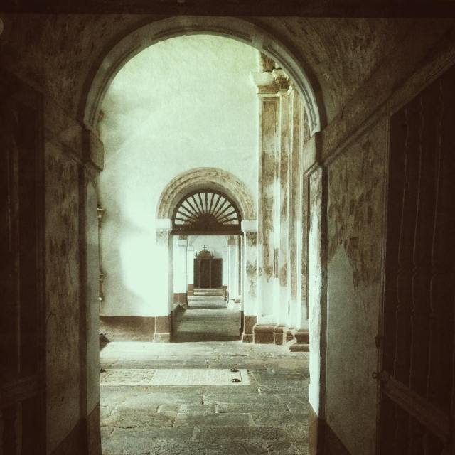 Looking through the holes of history in Old goa simplytravelledhellip