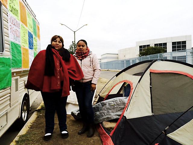 """Antonia Hinojos, de Camargo, Chihuahua, y Josefa Martínez, de Oaxaca, despedidas por tratar de organizarse contra el """"robo"""" de vacaciones en Eaton Bussmann"""