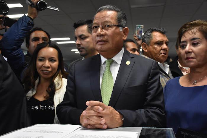 Las opciones para suplir a Javier Duarte fueron dos: Flavino Ríos Alvarado, secretario de gobierno, y Guillermo Ortiz Mayagoitia expresidente de la Suprema Corte de Justicia en Veracruz. Foto: Cuartoscuro