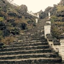 www.singapbyart.com-ninhbinh-ma-yen-mountain-steps.jpg