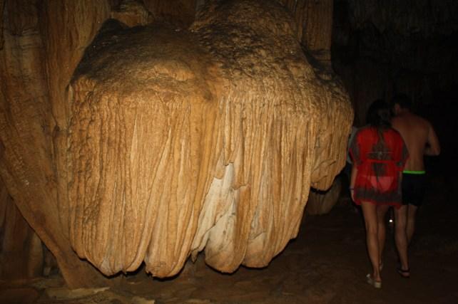 www.singapbyart.com-cat-ba-day-tour-grotto1