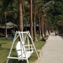 www.singapbyart.com-cat-ba-town-cat-co-2-beach.jpg