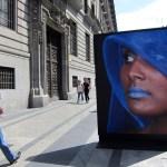 Fotografias de Angele Etoundi Essamba decoran el centro de Madrid