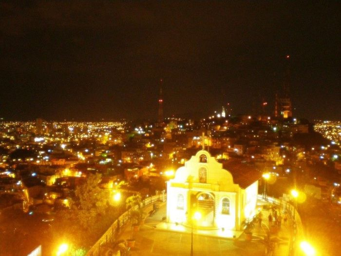 Guayaquil iluminada