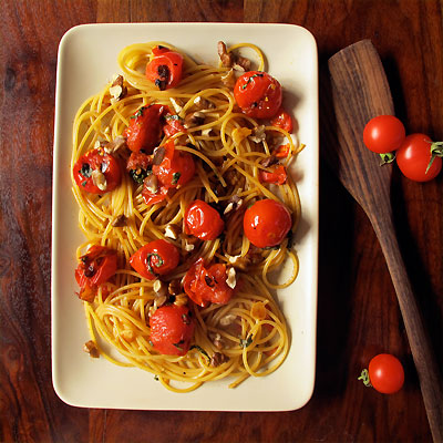 Charred Cherry Tomato Pasta with Alpeppo Pepper