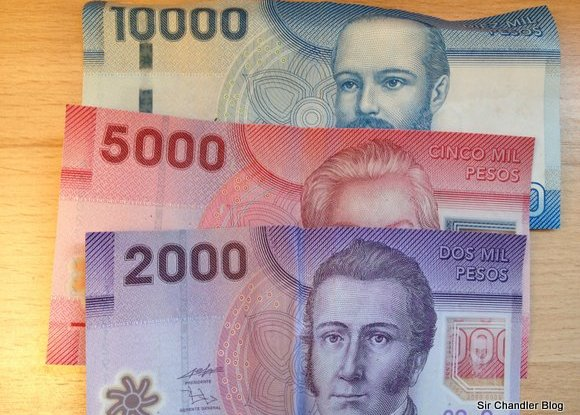 pesos-chilenos