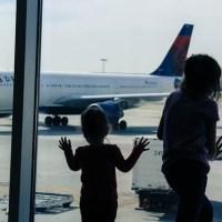 ¿Sirve que los menores sumen millas al volar?