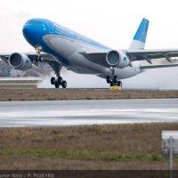 Arranca fijo el Airbus 330 de Aerolíneas Argentinas en la ruta a Madrid