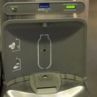 Un vaso de agua (y una botella) no se le niega a nadie
