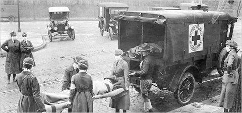 Nurses attending to soldiers