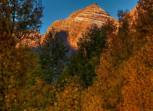 Maroon Bells, fall, autumn mountain images, fall mountain images, Aspen leaves, Aspen Maroon Bells