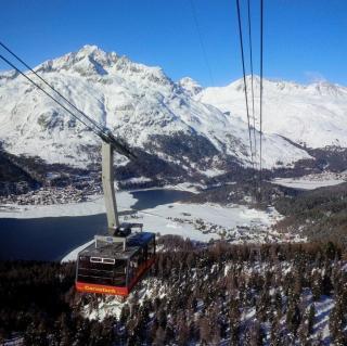 St. Moritz opens 7 lifts.