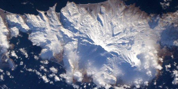 Alaska's snowy Aleutian Islands from space.   Photo: Scott Kelly, NASA