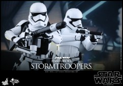Hot Toys - Star Wars - The Force Awakens - First Order Stormtroopers Collectible Set_PR2